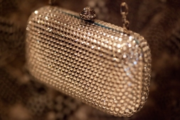 Clamshell beaded purse